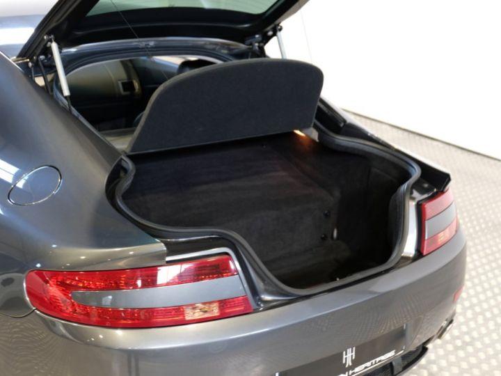 Aston Martin V8 Vantage 4.7 sportshift gris - 10