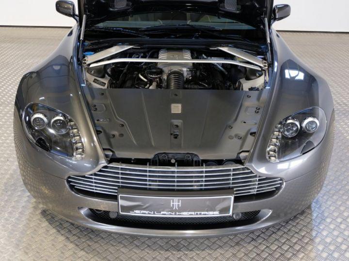 Aston Martin V8 Vantage 4.7 sportshift gris - 11
