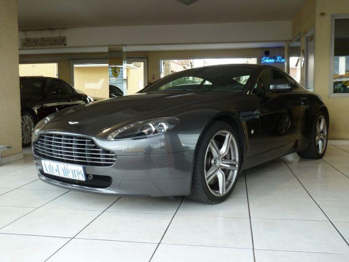 Aston Martin V8 Vantage 4.7L SPORTSHIFT GRIS ANTHRACITE METALLISE - 1