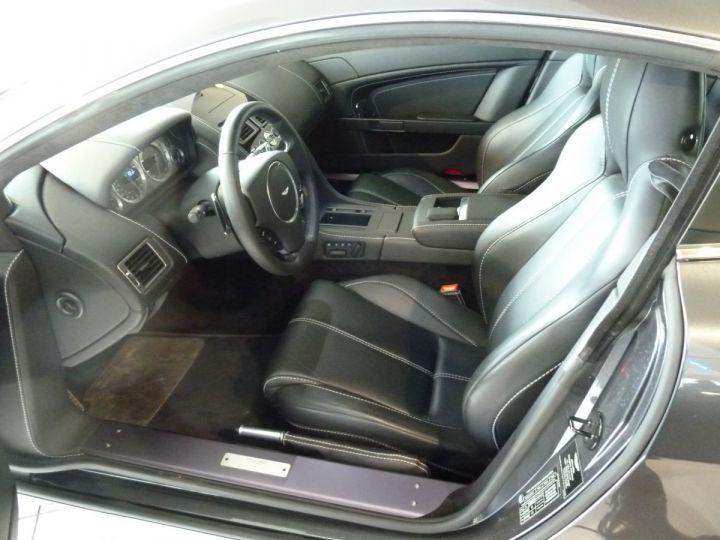 Aston Martin V8 Vantage 4.7L SPORTSHIFT GRIS ANTHRACITE METALLISE - 3