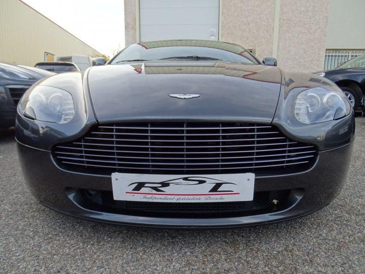 Aston Martin V8 Vantage AMV8 4.3L 390Ps BV6 32Km VN 118300e gris meteorite - 4