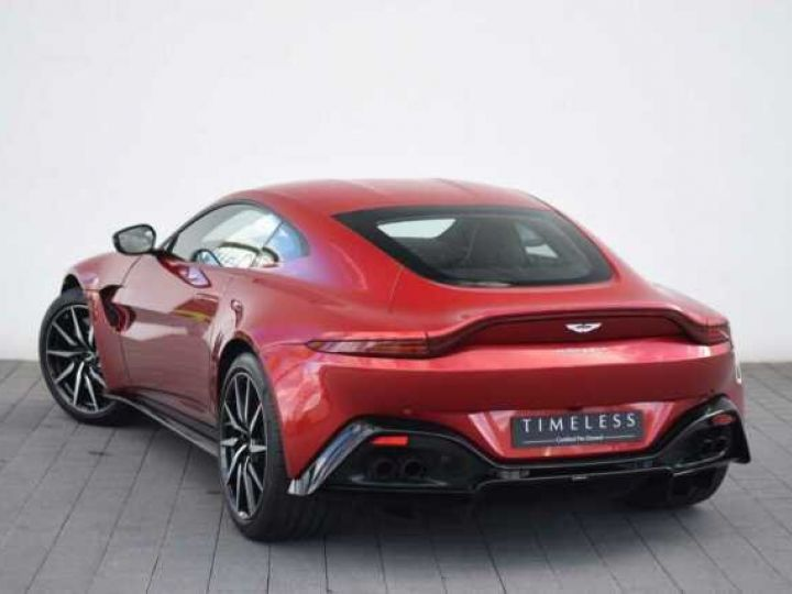 Aston Martin V8 Vantage BODYPACK BLACK Hyper Red - 1