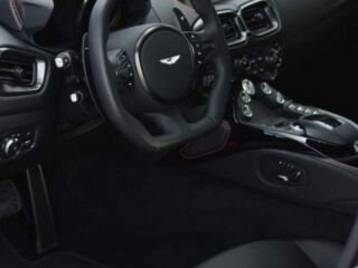 Aston Martin V8 Vantage BODYPACK BLACK Hyper Red - 6