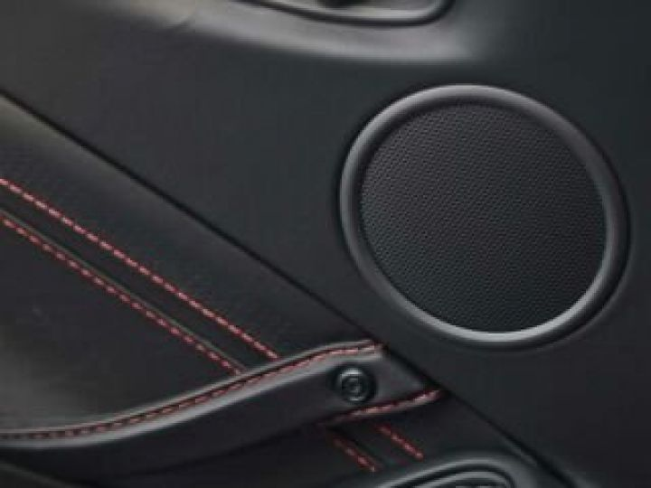 Aston Martin V8 Vantage BODYPACK BLACK Hyper Red - 8