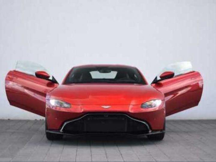 Aston Martin V8 Vantage BODYPACK BLACK Hyper Red - 14