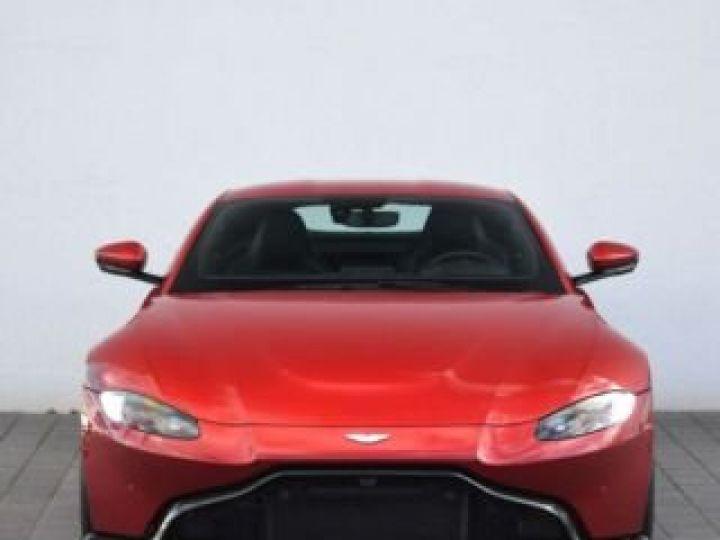 Aston Martin V8 Vantage BODYPACK BLACK Hyper Red - 18