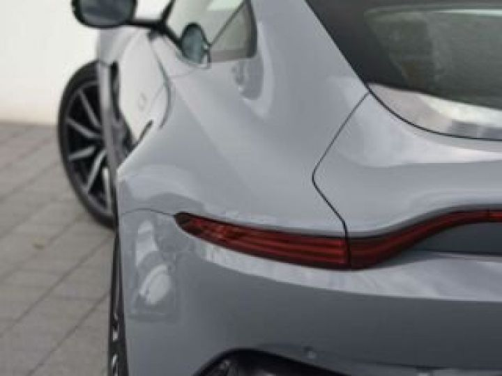 Aston Martin V8 Vantage Exterior Black Pack China Grey - 8