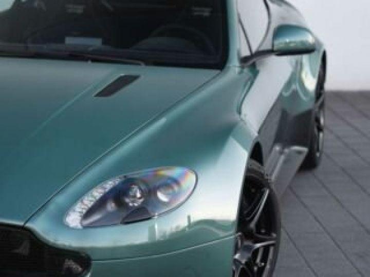 Aston Martin V8 Vantage GT8 AM Racing Green - 11