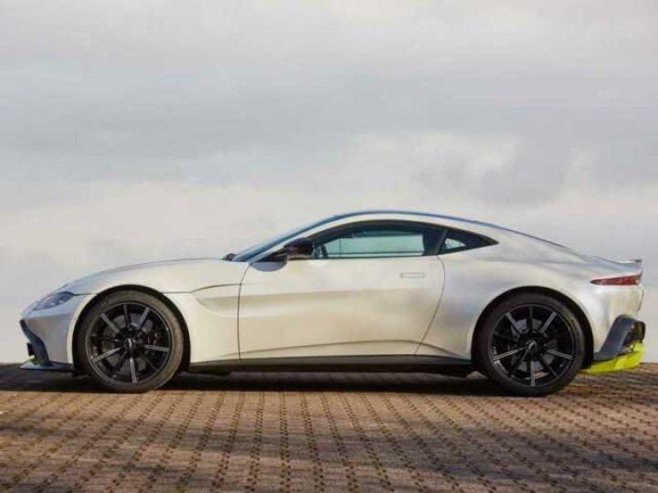 Aston Martin V8 Vantage New Vantage Morning Frost White - 3