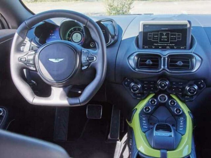 Aston Martin V8 Vantage NEW VANTAGE#BICOLORE LIME ESSENCE PAINTED  Onyx Black - 11