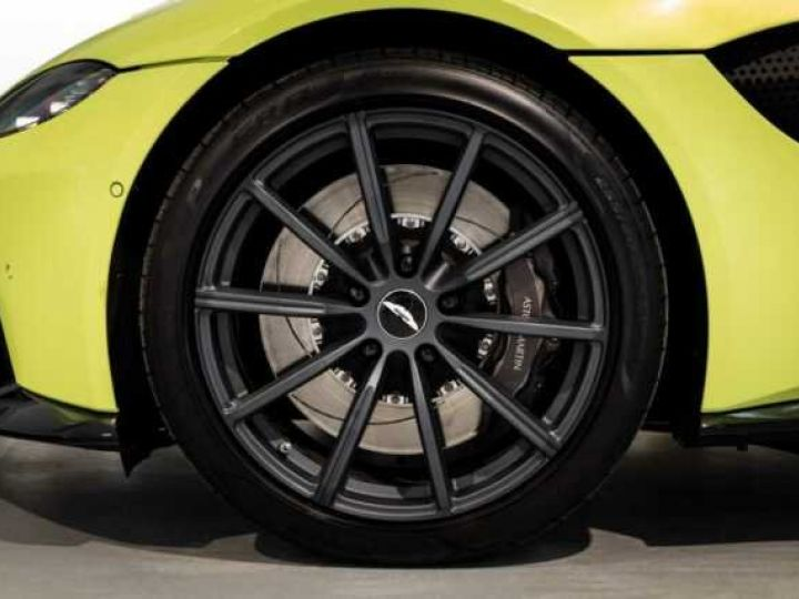 Aston Martin V8 Vantage NEW Vantage # Lime Essence  Lime Essence - 18