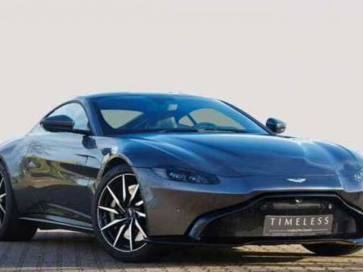 Aston Martin V8 Vantage New Vantage # Pack Black extérieur Magnetic silver métal  - 1