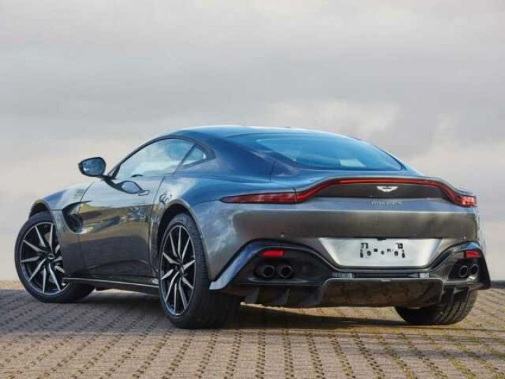 Aston Martin V8 Vantage New Vantage # Pack Black extérieur Magnetic silver métal  - 2