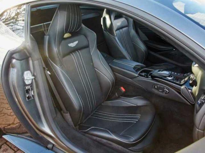 Aston Martin V8 Vantage New Vantage # Pack Black extérieur Magnetic silver métal  - 5