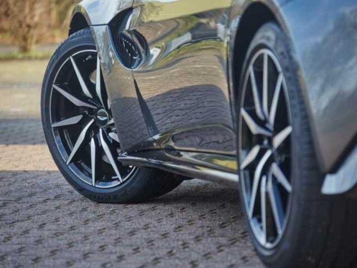 Aston Martin V8 Vantage New Vantage # Pack Black extérieur Magnetic silver métal  - 7