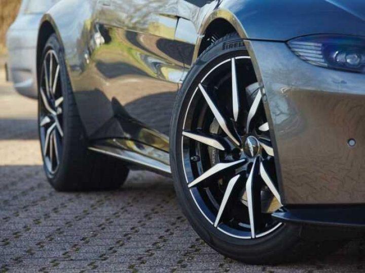 Aston Martin V8 Vantage New Vantage # Pack Black extérieur Magnetic silver métal  - 8