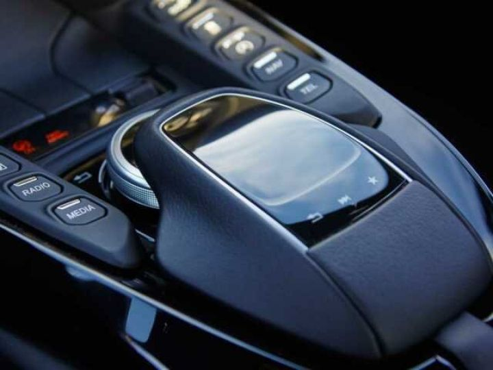 Aston Martin V8 Vantage New Vantage # Pack Black extérieur Magnetic silver métal  - 11