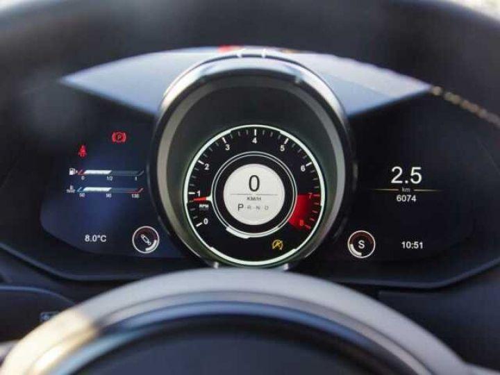 Aston Martin V8 Vantage New Vantage # Pack Black extérieur Magnetic silver métal  - 13