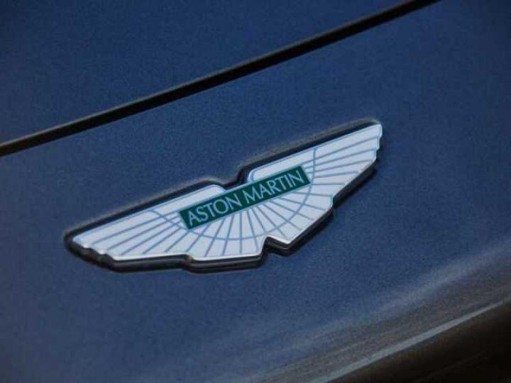 Aston Martin V8 Vantage New Vantage # Pack Black extérieur Magnetic silver métal  - 19