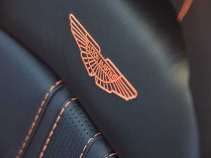 Aston Martin V8 Vantage NEW VANTAGE#PACK SPORT PLUS#BODYPACK BLACK Cinnabar Orange métal - 18