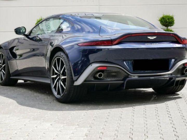 Aston Martin V8 Vantage Pack extérieur Black#cuir bicolore Midnight blue métal - 2