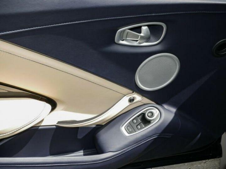 Aston Martin V8 Vantage Pack extérieur Black#cuir bicolore Midnight blue métal - 5