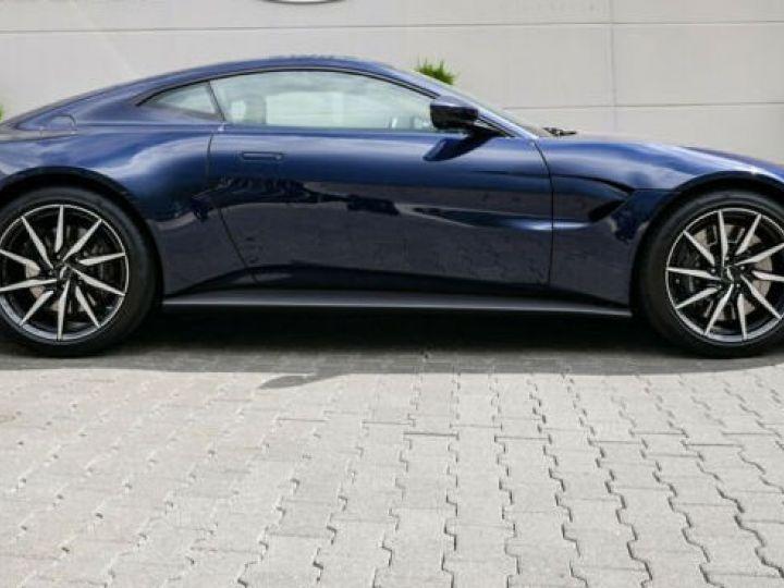 Aston Martin V8 Vantage Pack extérieur Black#cuir bicolore Midnight blue métal - 9