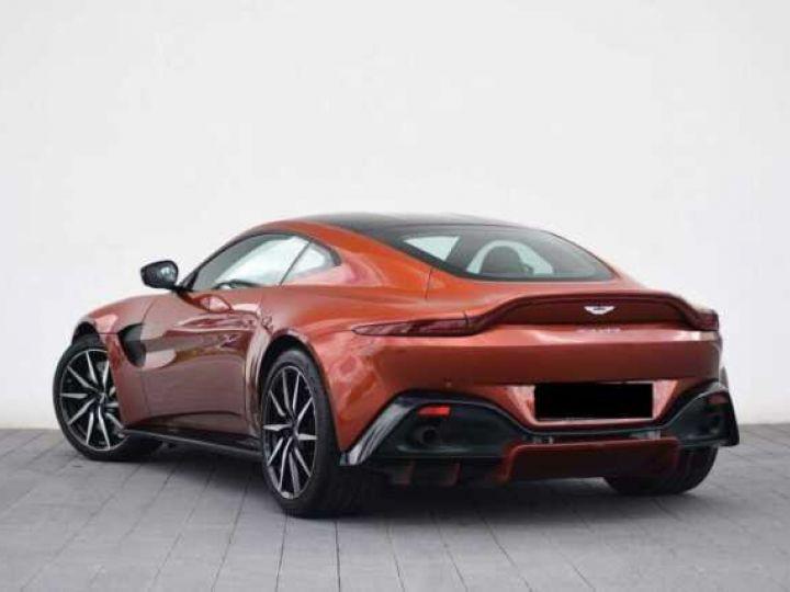Aston Martin V8 Vantage Pack Sport Plus#Pack Exterior Black #Pack Comfort Cinnabar Orange métal - 2
