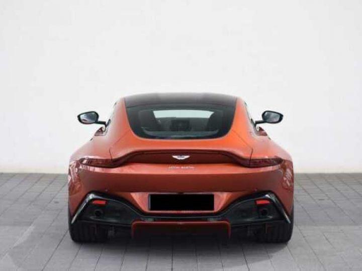 Aston Martin V8 Vantage Pack Sport Plus#Pack Exterior Black #Pack Comfort Cinnabar Orange métal - 11