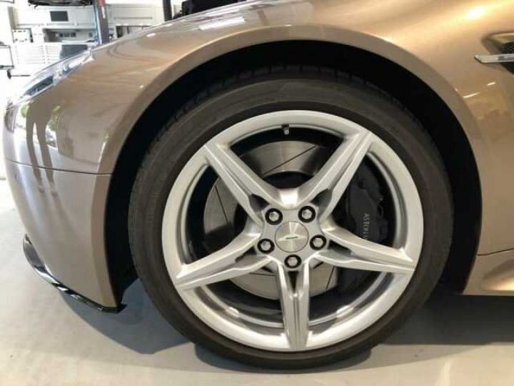 Aston Martin V8 Vantage S Silve Blonde/Gold - 5