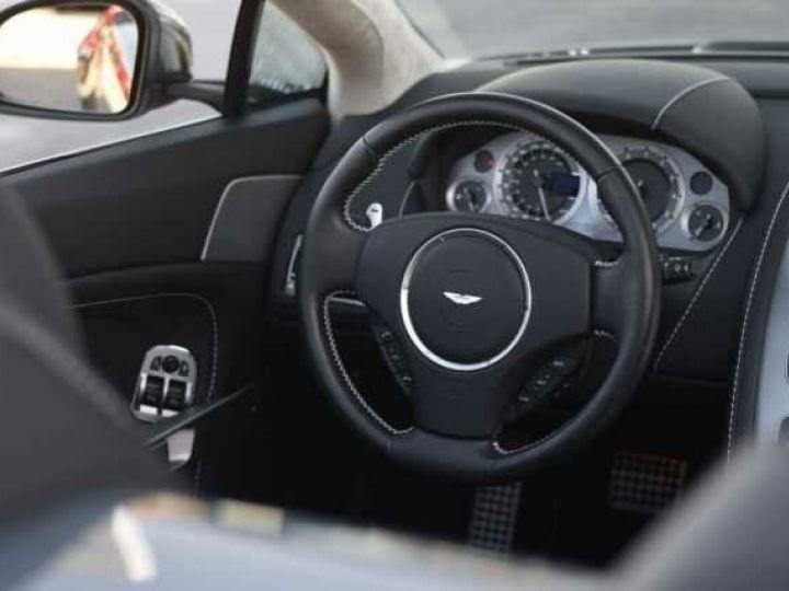 Aston Martin V8 Vantage S ROADSTER SPORTSHIFT Meteorite Silver métal - 13
