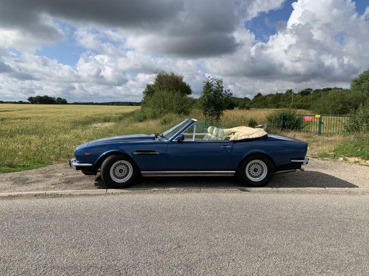 Aston Martin V8 Volante Bleu Royal Occasion - 6