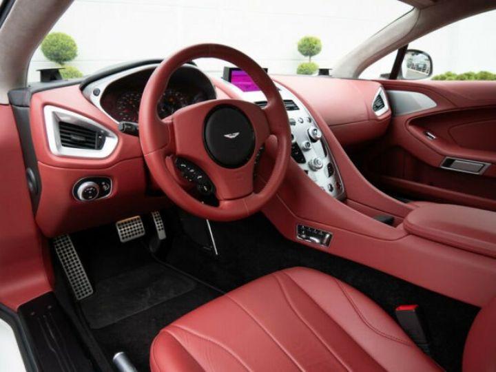 Aston Martin VANQUISH Stratus White - 4