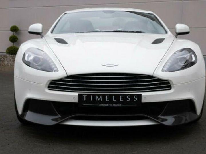 Aston Martin VANQUISH Stratus White - 9