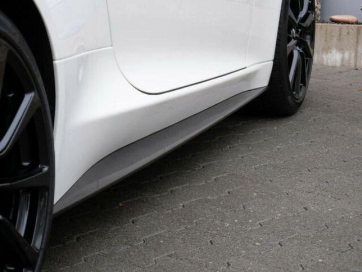 Aston Martin VANQUISH Stratus White - 14