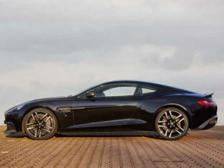 Aston Martin VANQUISH S PACK CARBONE Onyx Black métal - 3