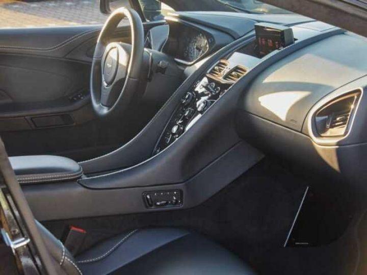 Aston Martin VANQUISH S PACK CARBONE Onyx Black métal - 9
