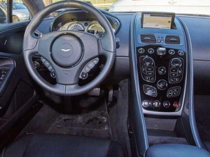Aston Martin VANQUISH S PACK CARBONE Onyx Black métal - 10