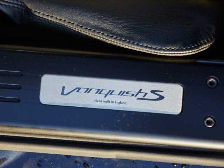 Aston Martin VANQUISH S PACK CARBONE Onyx Black métal - 15