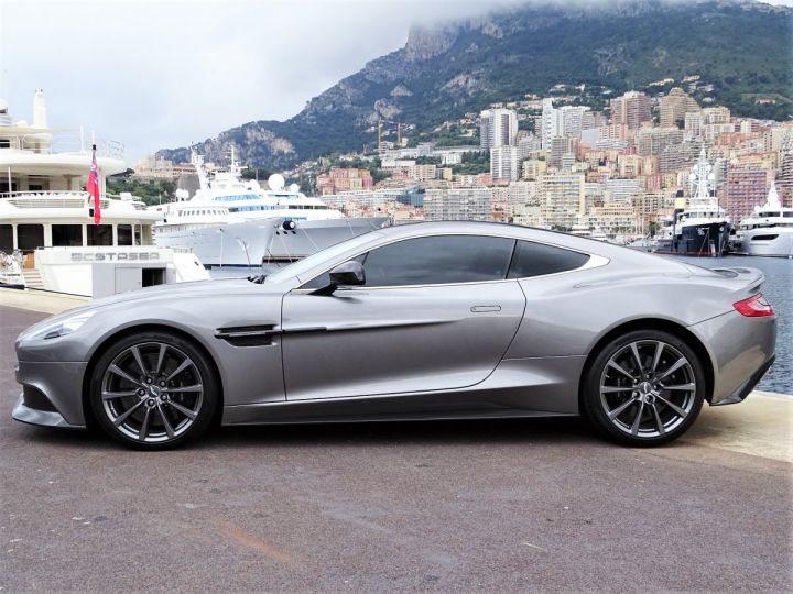 Aston Martin Vanquish V12 TOUCHTRONIC 573 CV COUPE - MONACO Tungsten Silver Metal - 4