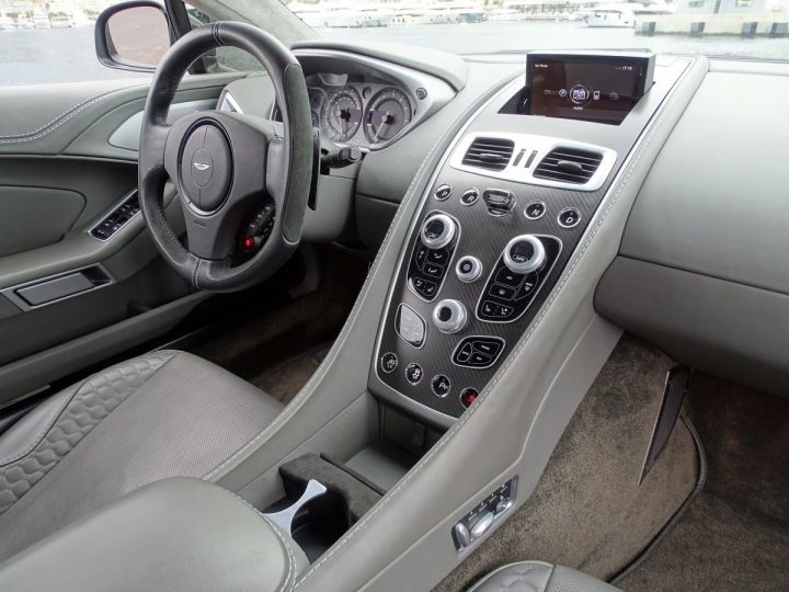 Aston Martin Vanquish V12 TOUCHTRONIC 573 CV COUPE - MONACO Tungsten Silver Metal - 7