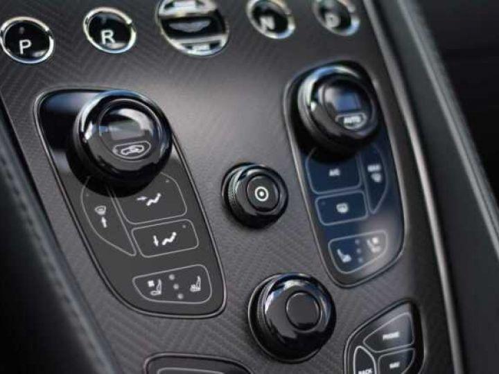 Aston Martin VANQUISH Volante EDITION CARBONE AML Carbon Black - 16