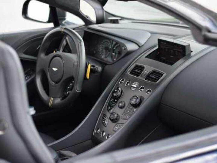 Aston Martin VANQUISH Volante EDITION CARBONE AML Carbon Black - 18