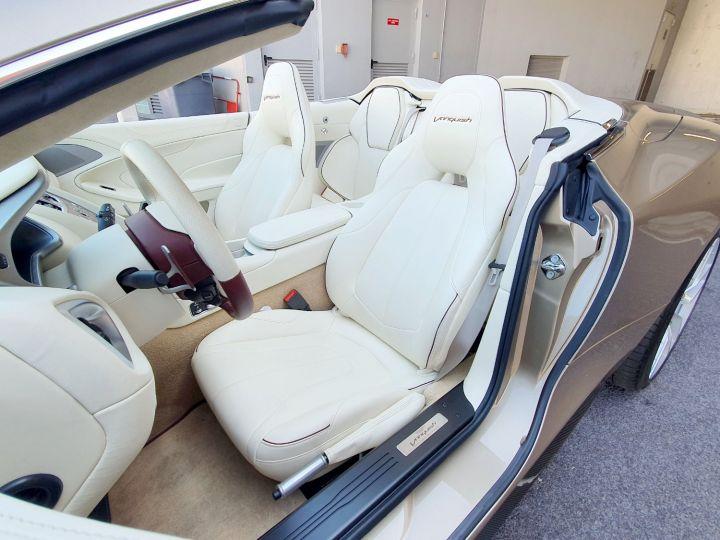 Aston Martin Vanquish VOLANTE V12 TOUCHTRONIC III Selene Bronze Métal Occasion - 20