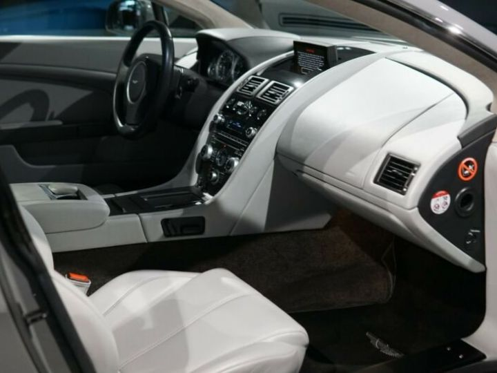 Aston Martin Vantage  V8 Vantage 4.7l Sportshift *China Grey* Gris / China Grey - 10
