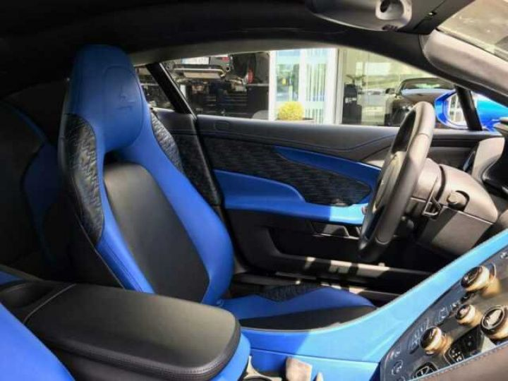Aston Martin Zagato LIMITED EDITION # One Of 99 # Cobalt Blue Métal - 16