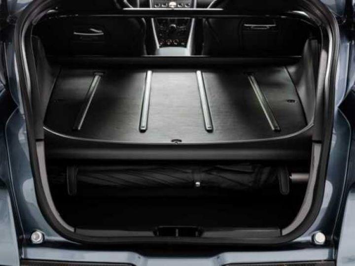 Aston Martin Zagato VANQUISH ZAGATO Shooting Brake# 4 exemplaires seulement Predator Grey métal - 14