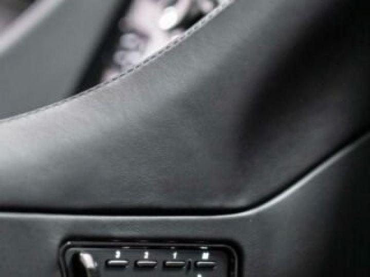 Aston Martin Zagato VANQUISH ZAGATO Shooting Brake# 4 exemplaires seulement Predator Grey métal - 16