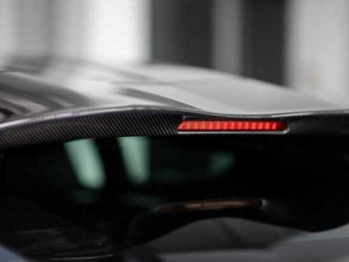 Aston Martin Zagato VANQUISH ZAGATO Shooting Brake# 4 exemplaires seulement Predator Grey métal - 18
