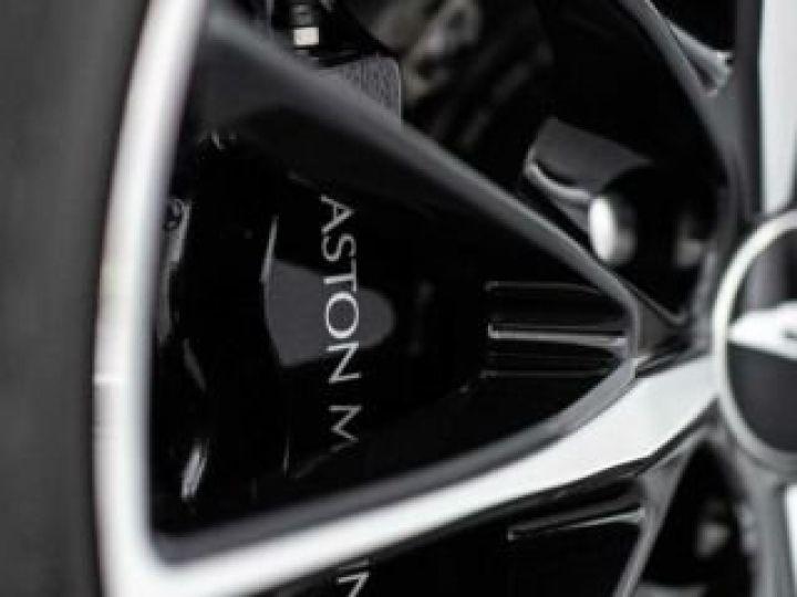 Aston Martin Zagato VANQUISH ZAGATO Shooting Brake# 4 exemplaires seulement Predator Grey métal - 21